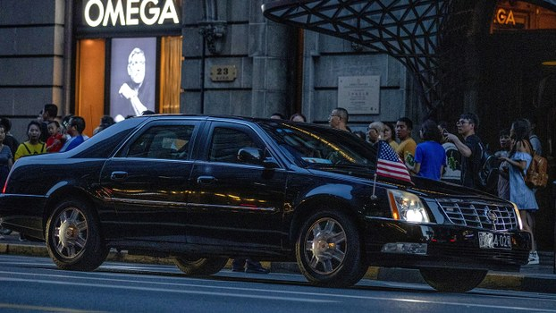 美方谈判官员2019年7月30日下午抵达上海,入住上海外滩茂悦酒店,中美团队将在西郊宾馆展开谈判。(美联社)