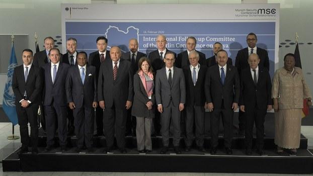 2020年2月16日,慕尼黑安全会议与会者合影。(美联社)