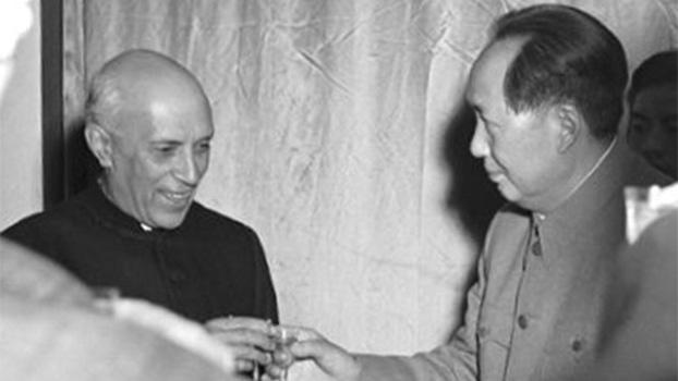 印度独立后的第一任总理贾瓦哈拉尔·尼赫鲁(Jawaharlal Nehru),于1954年10月间访问中国与毛泽东等中共首脑会面。(推特)