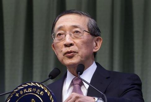台湾外交部部长林永乐30号在接受媒体采访时表示,2016年1月开始,将与日本方面就解决台湾的慰安妇问题,与日方开始协商,日本方面也已经原则同意。