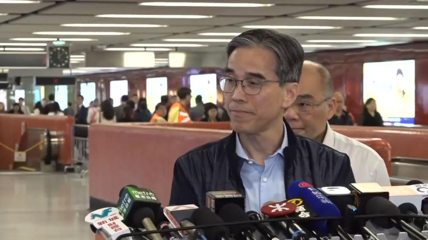 资料图片:港铁车务总监刘天成。(脸书视频截图)