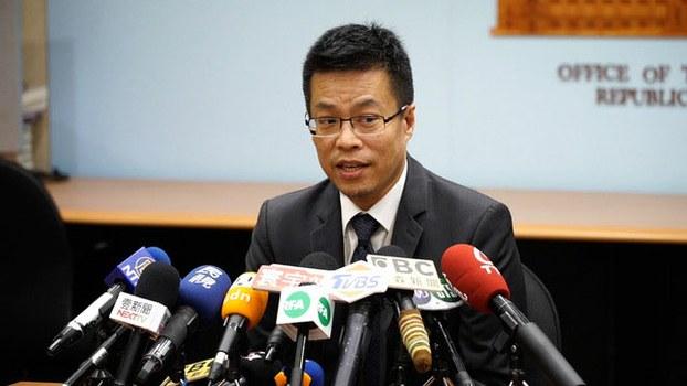 总统府发言人黄重谚认为中国老调不需要特别回应。(记者 李宗翰摄)