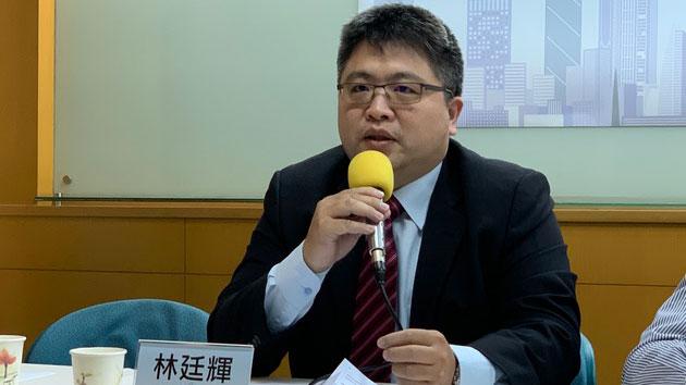 """台湾国际法学会副秘书长林廷辉称,未来对台只剩""""一国一制""""。(记者 黄春梅摄)"""