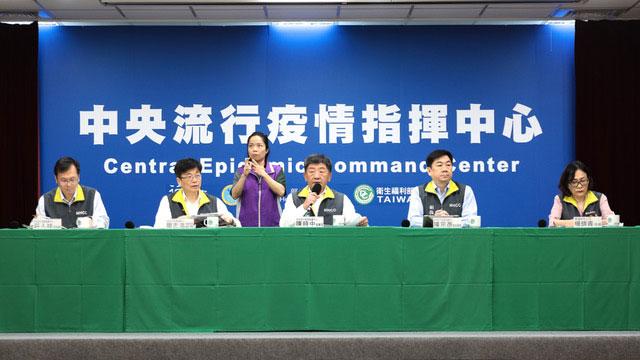 中央流行疫情指挥中心陈时中在记者会回应湖北解封。(疾管署提供)