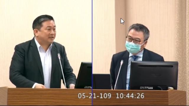 民进党立委王定宇(图左)讽刺中国先开放外人调查真相再说别人隐匿疫情吧。(截图自立法院直播)