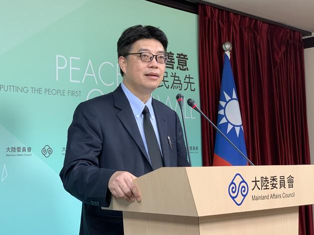 陆委会发言人邱垂正22日回应国台办对军售案说法。(资料照)