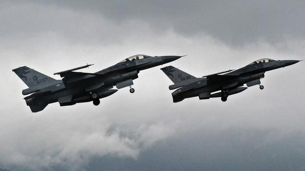 美国华盛顿邮报透露特朗普政府将向台湾出售F-16V战机(资料照/AFP)