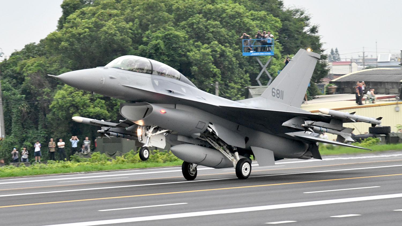 F-16V战机 (法新社)