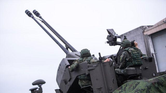 空军35快炮执行联合防空作战任务,守护重要设施。(国防部提供)