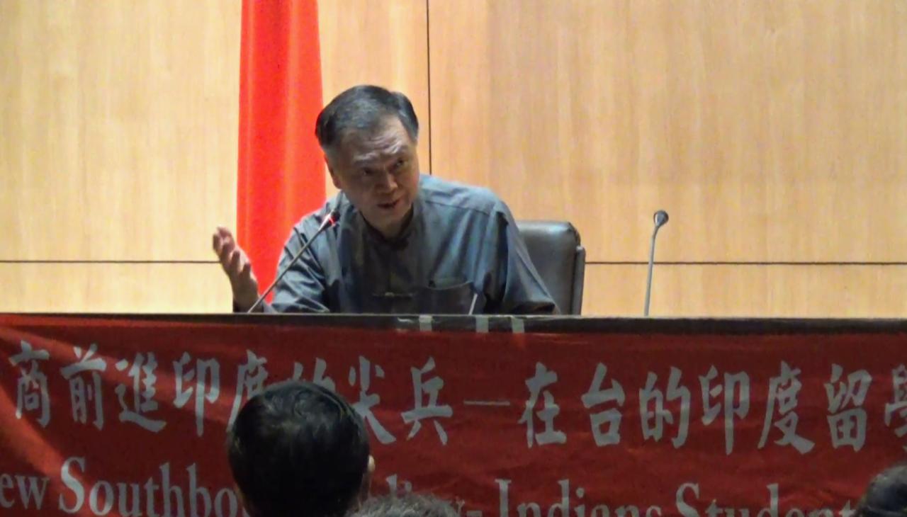 清华大学印度中心主任王伟中。(记者夏小华摄)