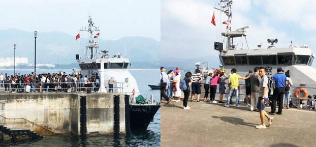 2019年11月13日早上10点,中大对开马料水码头,水警协助中大大陆学生撤离。(立场新闻脸书)
