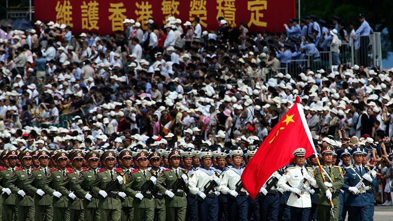 资料图片:解放军驻港部队阅兵式(美联社)