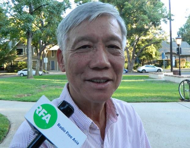 朱耀明牧师抵洛杉矶活动,接受本台访问。 (记者萧融拍摄)
