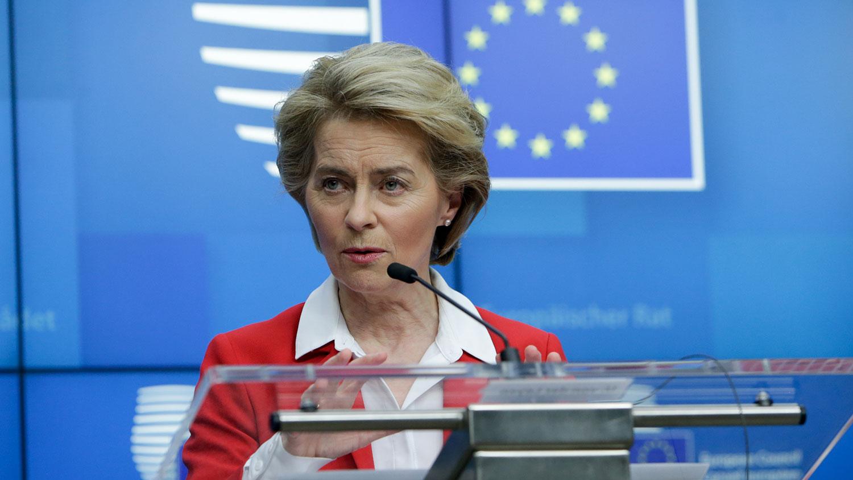 欧盟执委会主席冯德莱恩(Ursula von der Leyen)表示,关于何时实施要由会员国决定,但会员国们都表示将立即实施。这项对外禁令不会影响欧盟内部之间旅行。(法新社)