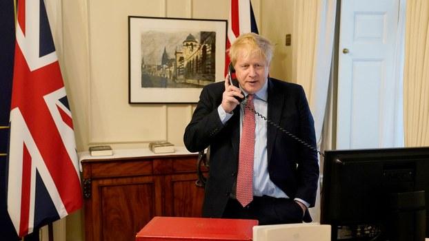 英国首相约翰逊(Boris Johnson)27日也确诊感染,他的症状轻微,目前正在唐宁街自我隔离。(法新社图片)