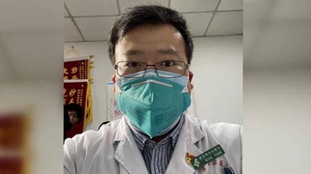 34岁的李文亮来自辽宁,是武汉市一家医院的眼科医生。(图源:财新网)