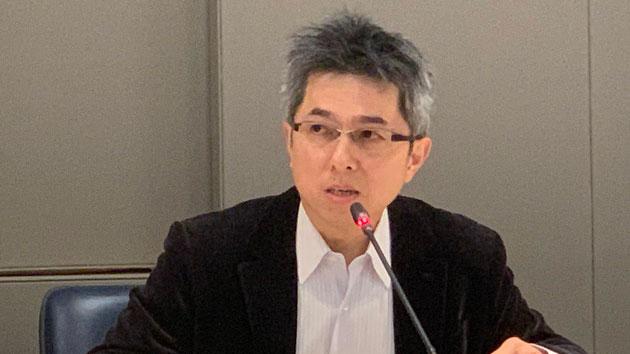 陈荣杰领导7人团队成功合成瑞德西韦。(记者 黄春梅摄)