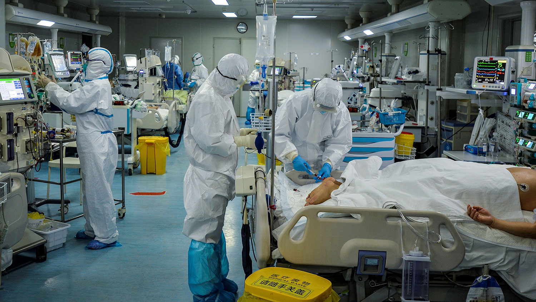 新冠肺炎在中国大陆累计超过7.6万起确诊病例。(法新社)