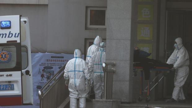 """""""武汉肺炎""""的患者在当地的金银潭医院接受治疗(路透社资料图片)"""