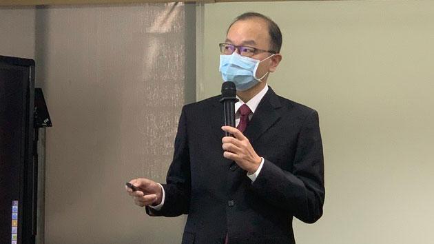 台经院景气预测中心主任孙明德报告。(记者 黄春梅摄)