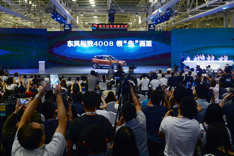 自2016年以来,神龙汽车销量连续三年下滑。(法新社)