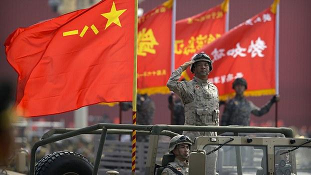 阅兵式上的中国军队(美联社)