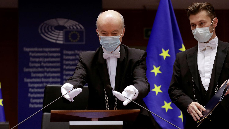 """决议案,批评中国政府早期隐瞒疫情而导致大流行,之后利用""""病毒外交""""对付欧盟,塑造善意大国形象,并借助疫情扩大自身影响,呼吁欧盟重新审视欧中关系。(路透社图片)"""