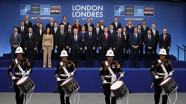 2019年12月4日,出席北约峰会的各国领导人在英国伦敦合影。(法新社)