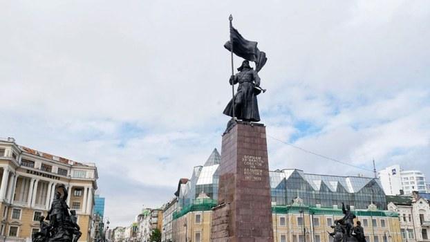 俄方纪念短片中拍摄了海参崴胜利广场等名胜作宣传。(vladivostok-city.com)