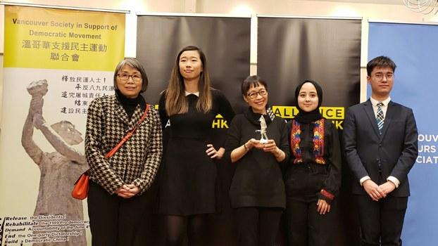 ACHK成员代表:左起 - 李美宝、王卓妍、谭竞嫦、莎莉娜·纳利、黄程锋  (柳飞拍摄)