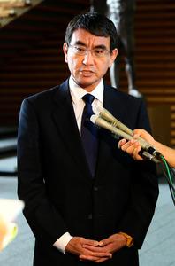"""日本外相河野太郎9月1日表达了改善日中关系的看法表示说:""""日本重视日中关系。日本将要求中国为加强对朝鲜施压而进一步发挥作用。双方确认了半岛无核化是日中两国共同目标的基本方针。""""(南洲提供)"""