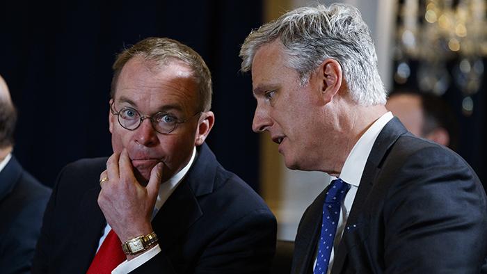 美国国家安全顾问欧布莱恩(Robert C. O'Brien)(右)(美联社)