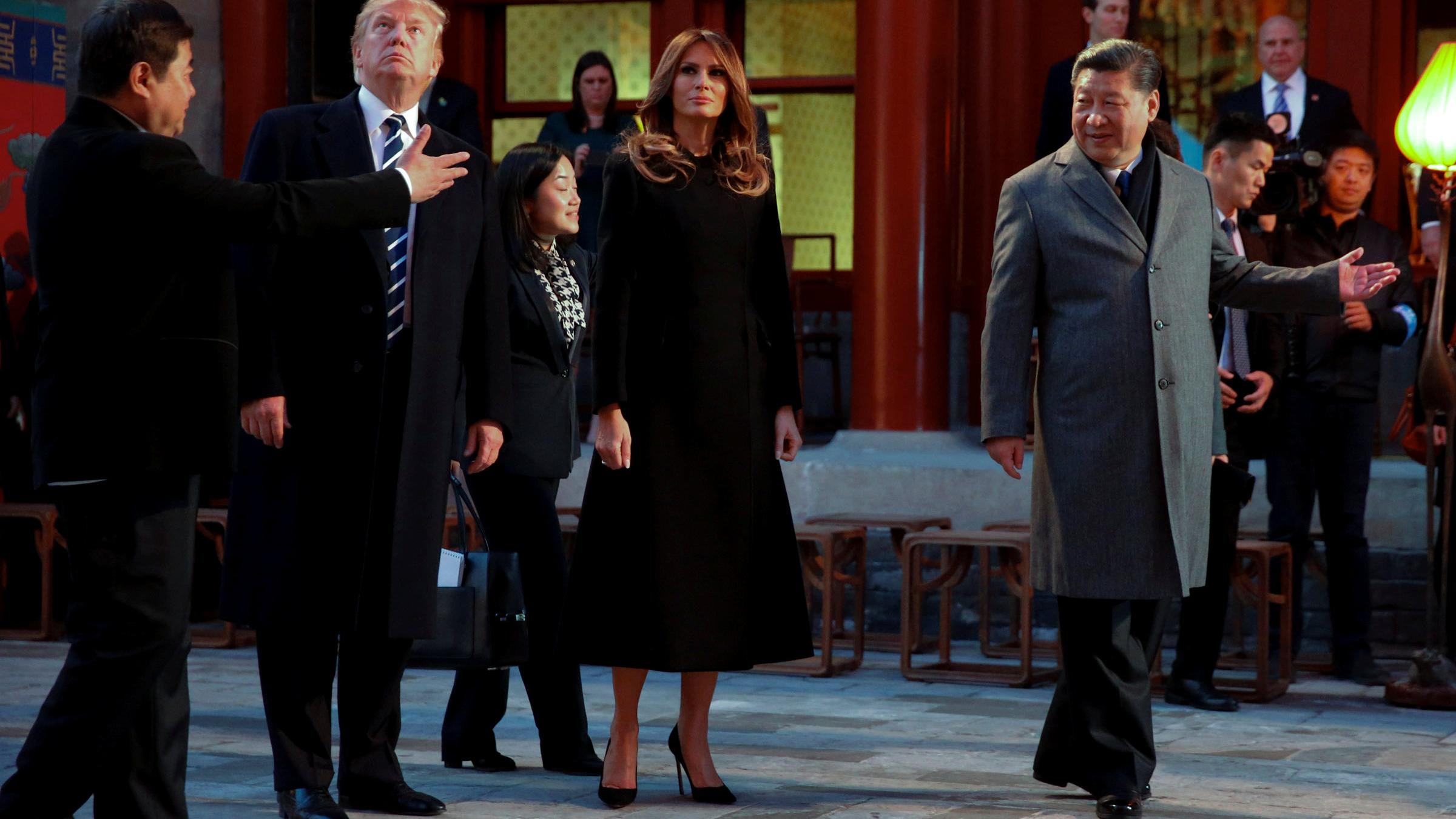 美国总统特朗普总统夫妇和中国国家主席习近平夫妇一起在紫禁城观看京剧演出。(美联社)
