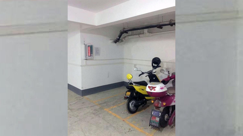 曹海波本来在常州市这个车库经营电动车充电桩,却因为国保介入而血本无归。 (曹海波独家提供,拍摄日期不详)