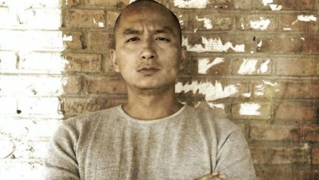 资料图片:北京异见诗人王藏。(推特图片)