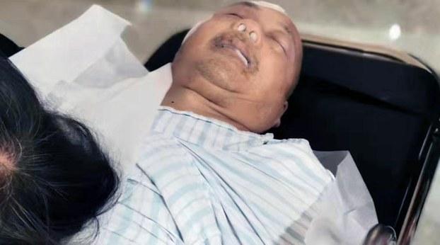 2019年10月26日, 身体一向正常的陈春章在医院里昏迷不醒。(叶木兰提供)