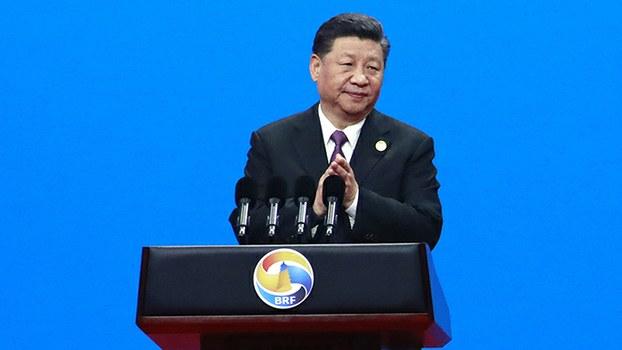 """2019年4月26日,中国领导人习近平在北京""""一带一路""""高峰论坛的开幕式上致辞。(美联社)"""