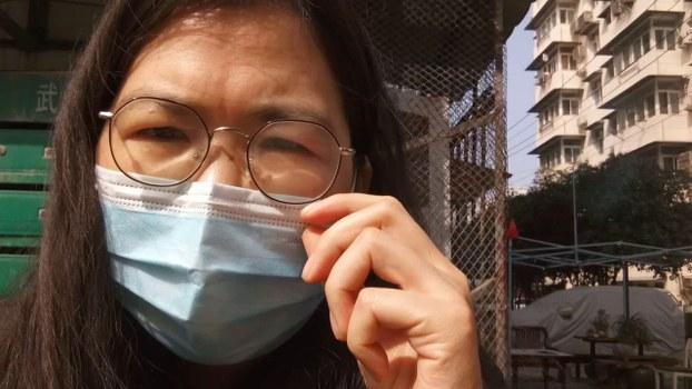 公民记者张展在武汉期间(视频截图)