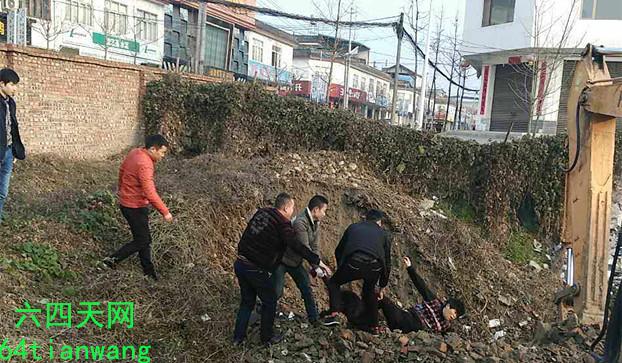 崇州街子镇村民的承包地被毁坏。(六四天网)