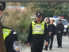 警方抓捕李添强时的情况(受访者独家提供)