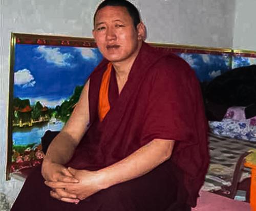 图片:12月26日提前获释的青海共和县千卜录寺僧人松饶嘉措。(受访人提供)