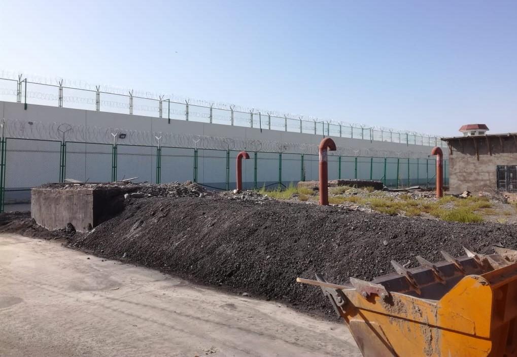 疏勒县女子监狱外墙。(志愿者独家提供)