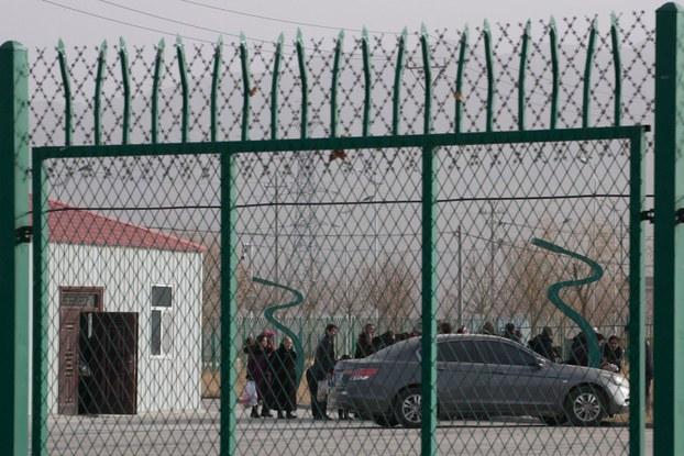 在国际舆论压力下,新疆当局自今年五月前后,将一批关押在所谓培训中心的穆斯林判刑后移送监狱羁押。(资料图/美联社)