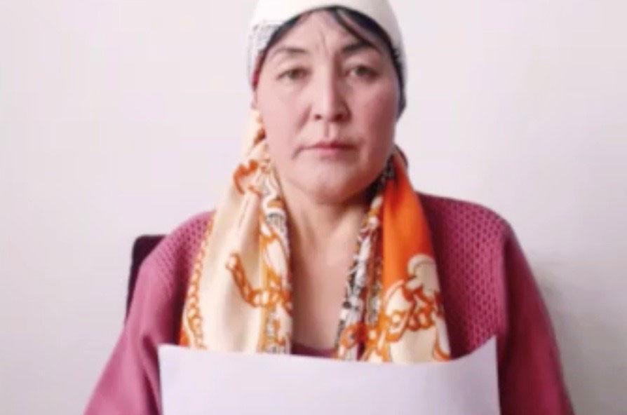 哈萨克斯坦公民依孜巴沙尔.阿迪力汉,呼吁中国政府释放他的两个哥哥和一个表弟。(家属提供/记者乔龙)