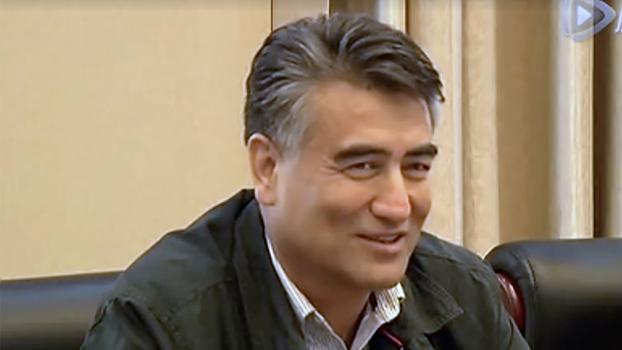 新疆大学前校长塔西甫拉提·特依拜(视频截图)
