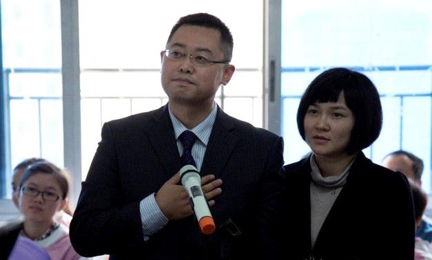 王怡牧师和蒋蓉师母(图源:王怡牧师微博)