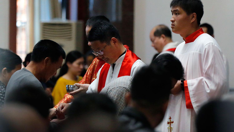 资料图片:2018年3月30日,福建闽东地下教会的圣周五活动。(美联社)
