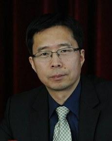 图片:国际政治问题专家、时事评论员宋鲁郑。(百度百科)