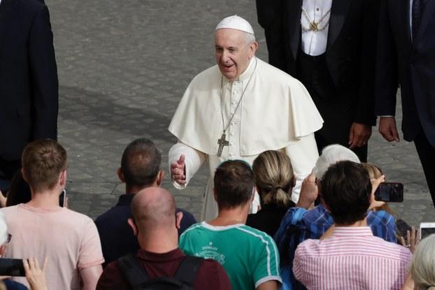 中央社14日报导,天主教教廷高层消息人士表示,教宗方济各(Pope Francis)已签字批准延长与中国之间的《主教任命协议》。(AP)
