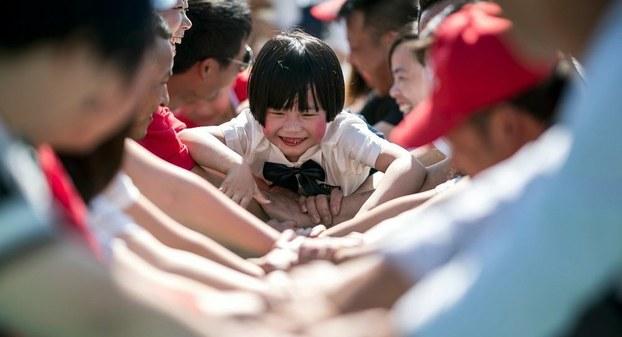 中国近年已放松生育限制,但成效非常有限,新增人口数量反而加速下跌。(法新社资料图)